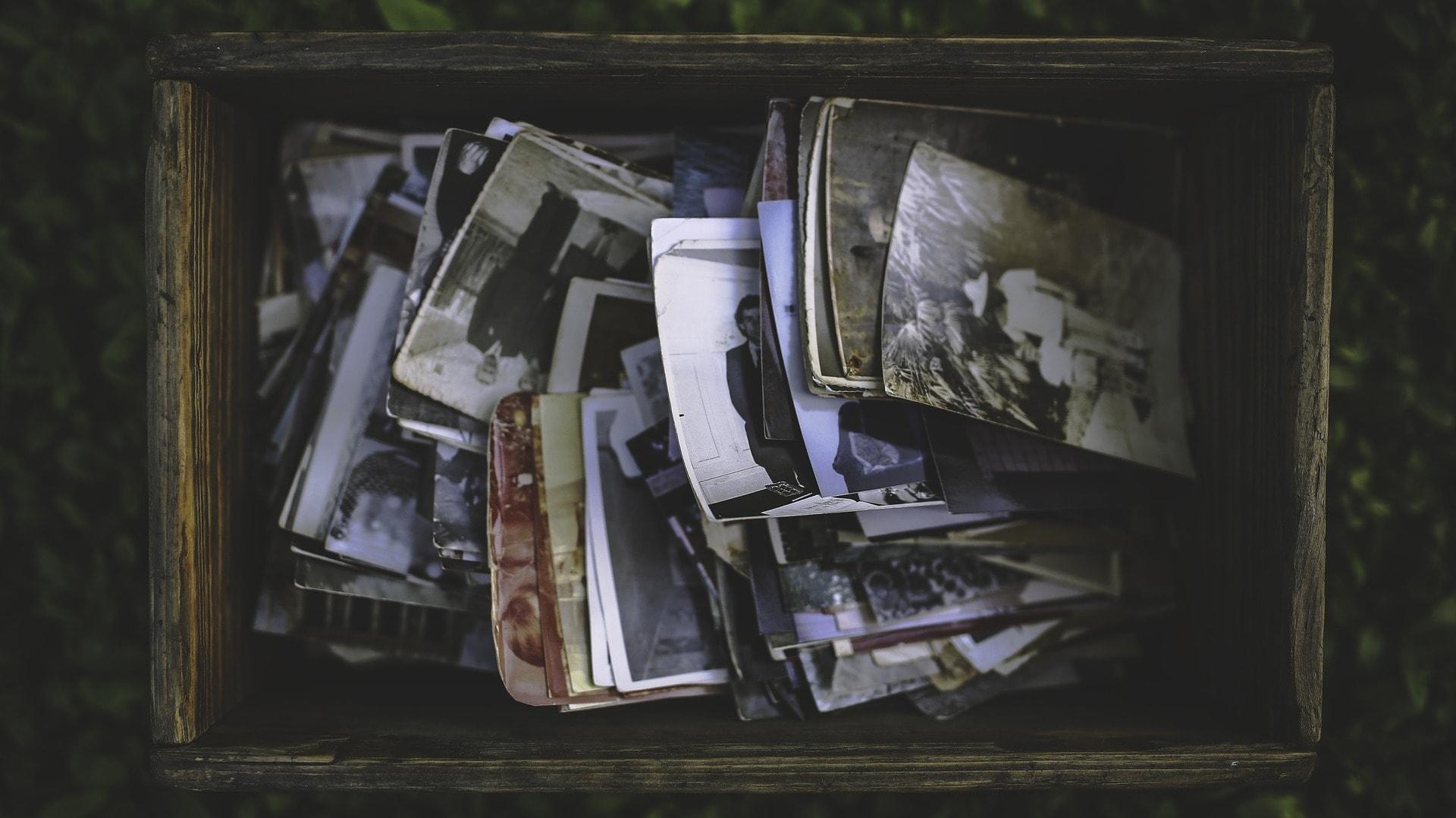 Beim Dödstädning sortiert man wichtige Erinnerungen in eine Schatzkiste