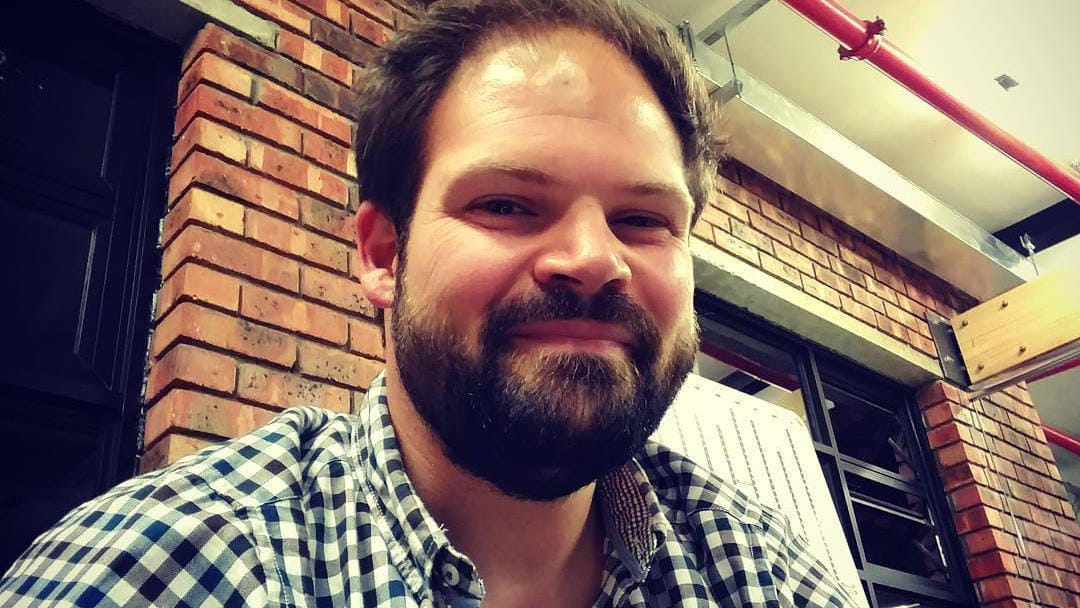 """Marc Herbrechter ist Autor vom Buch """"Fettnäpfchenführer Island"""""""