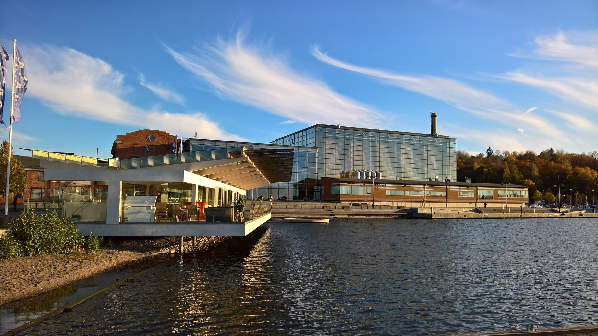 Das Sibelius Haus in Lahti ist komplett aus Holz und Glas gebaut